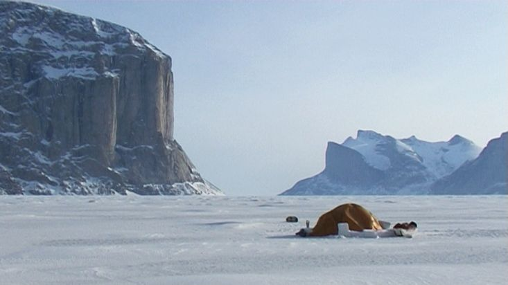Camp opposite to the Great Cross Pillar - Sam Ford Fiord 2010 expedition