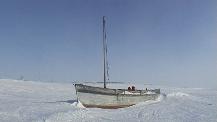 An half-buried ship in the Cambridge Bay's snow - Nanoq 2007 expedition