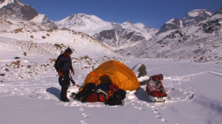 Dismantling of the camp -  Akshayuk Pass 2008 expedition