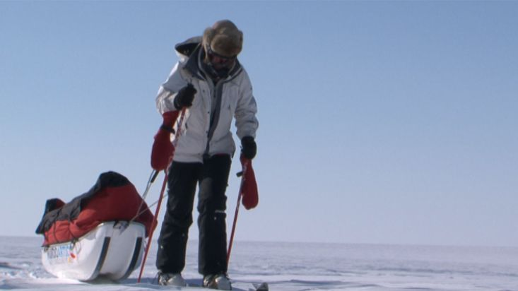 Ingrid skiing in the polar plain - Penny Icecap 2009 expedition