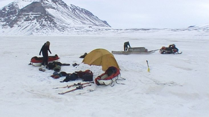Camp dismantling in Refuge Harbour - Sam Ford Fiord 2010 expedition