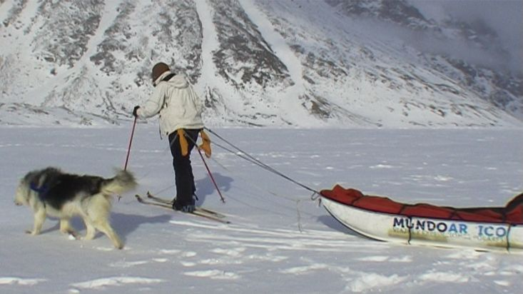 Skiing towards the Walker Arm Fiord - Sam Ford Fiord 2010 expedition